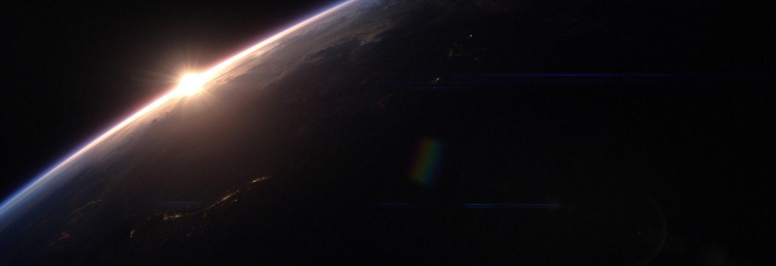 earthrise02